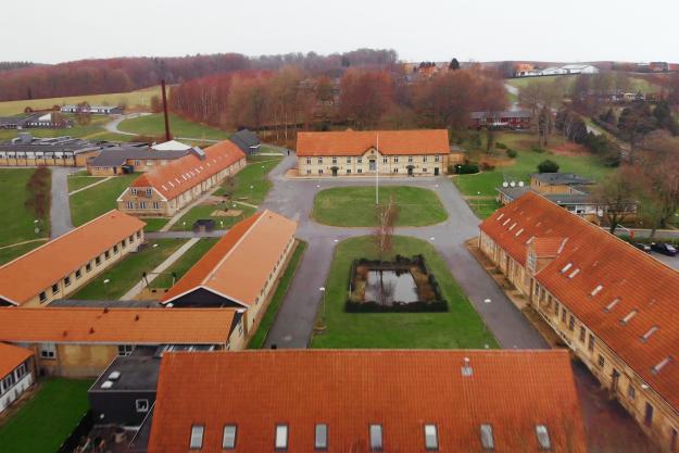 Luftfoto af Uddannelsescenter Møgelkær