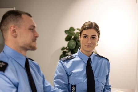 Fængselsbetjente i uniform